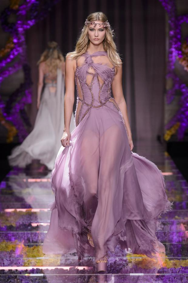 Beautiful Dresses from the Atelier @Versace Fall 2015 Collection #AtelierVersace http://t.co/mgooOvYQWh