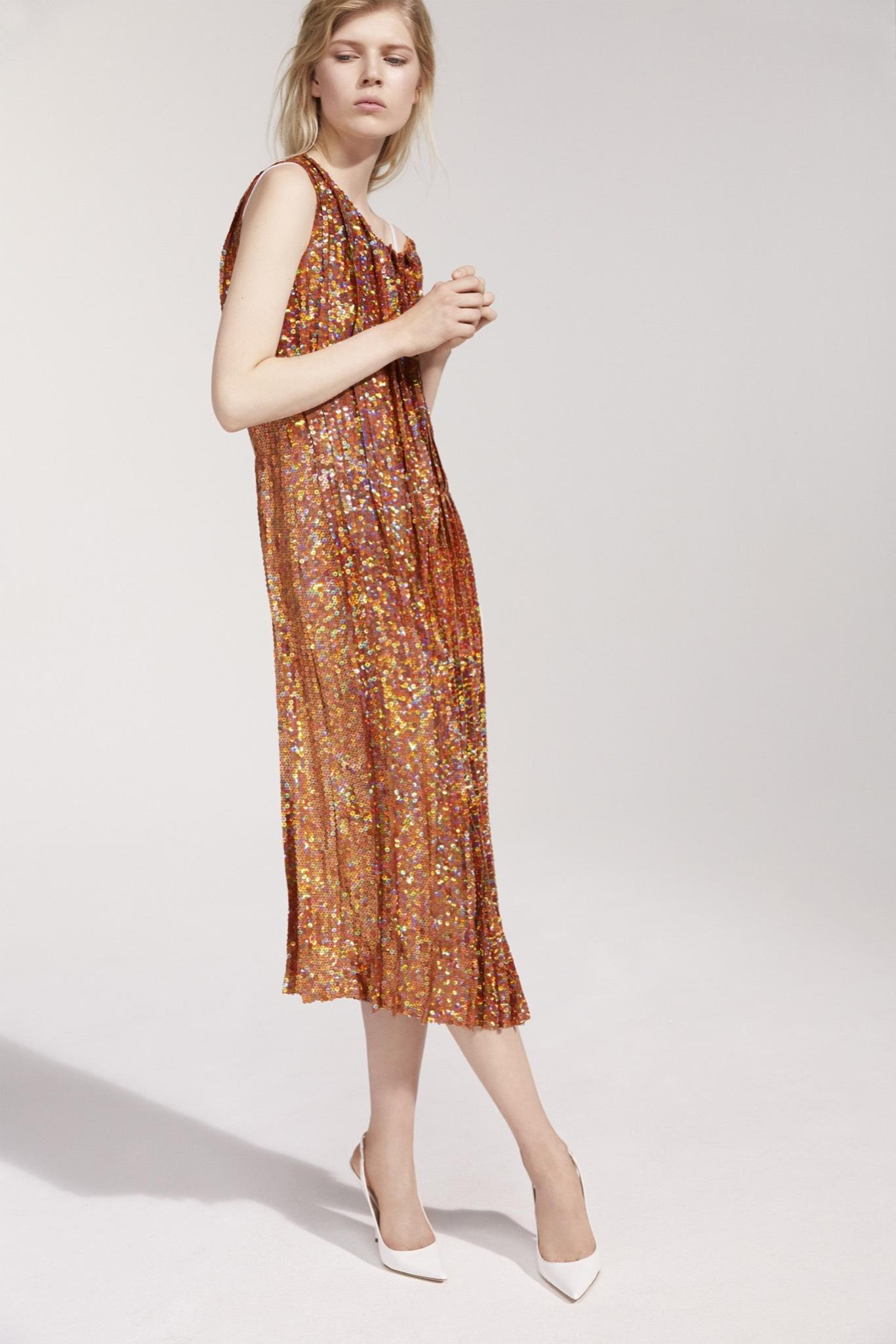 Just in: Complete look book images from Nina Ricci Resort '16 are here: http://t.co/bipWchn690 http://t.co/MN3gi722yy