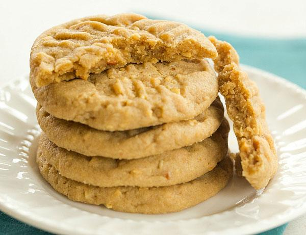 EPIC peanut butter cookie recipe! >> http://t.co/UR0Nf2T8lE http://t.co/O1yJubV15J