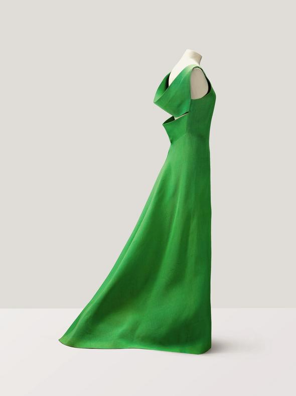 A serious treasure trove of vintage haute couture is about to hit the auction block: http://t.co/a8cC1AdCqp http://t.co/KIENlN0upj