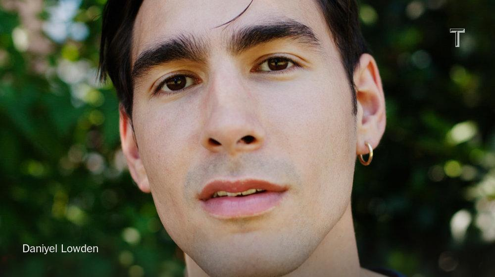 """Currently on repeat: @oscar_scheller's """"Beautiful Words"""" http://t.co/HxGPqO5Rah http://t.co/YikoYHdbbI"""