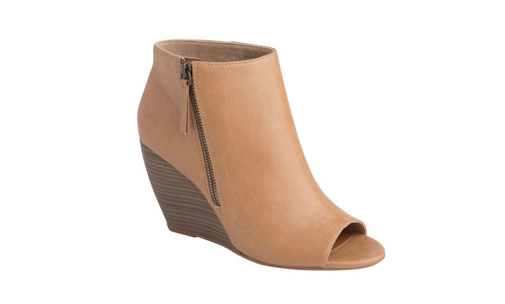 If you love peep-toes,  wedges and booties, you'll totally love peep-toe wedge booties: http://t.co/6CGDb8iCwu http://t.co/uuPUCc9r1u
