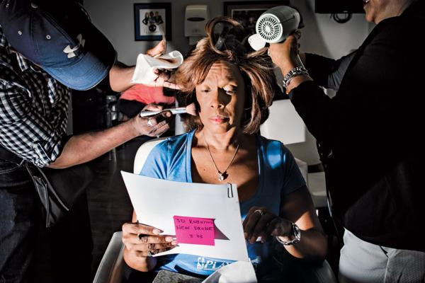 A day in the life of @GayleKing includes 2 jobs and 5 outfit changes: http://t.co/BA3EJ9QaRY http://t.co/0Eevw6Yyx1