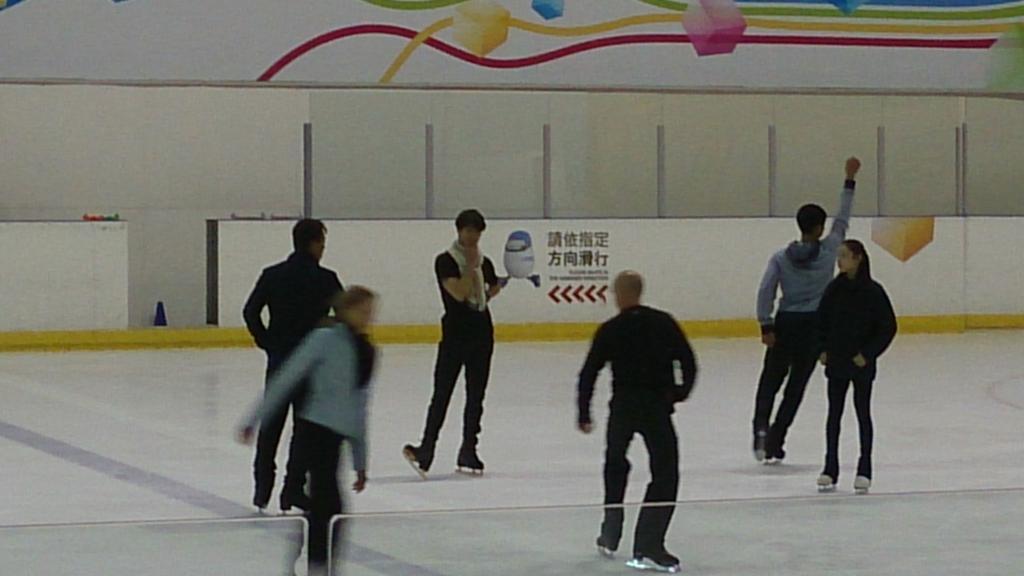 Ледовые шоу-2 - Страница 48 CJNtf43UEAA4S0s