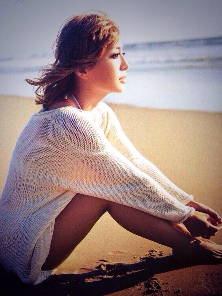 ちょっと肌寒い夏の前の浜崎あゆみ