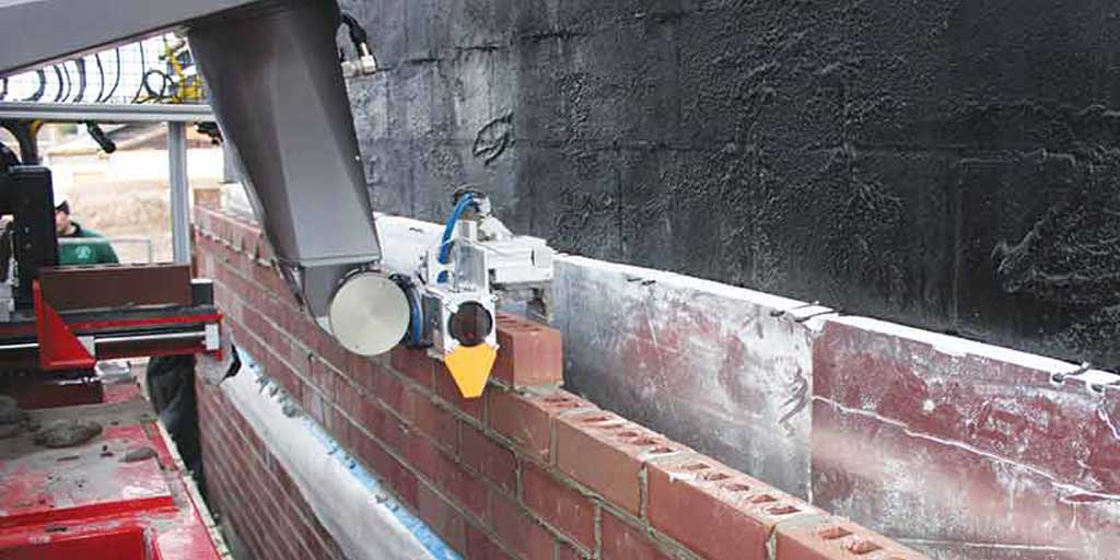 Human Vs. #Robot: Bricklaying Robot Can Place 1.000 Bricks an Hour. #Future #Construction http://t.co/uz1kc5nxkx http://t.co/k4CMmxkN7U