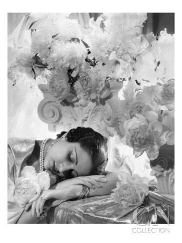 RT @CondeLibrary: Psst! Someone tell Sleeping Beauty it's Monday. 😴 July'35 @voguemagazine http://t.co/5dM1flGdy0