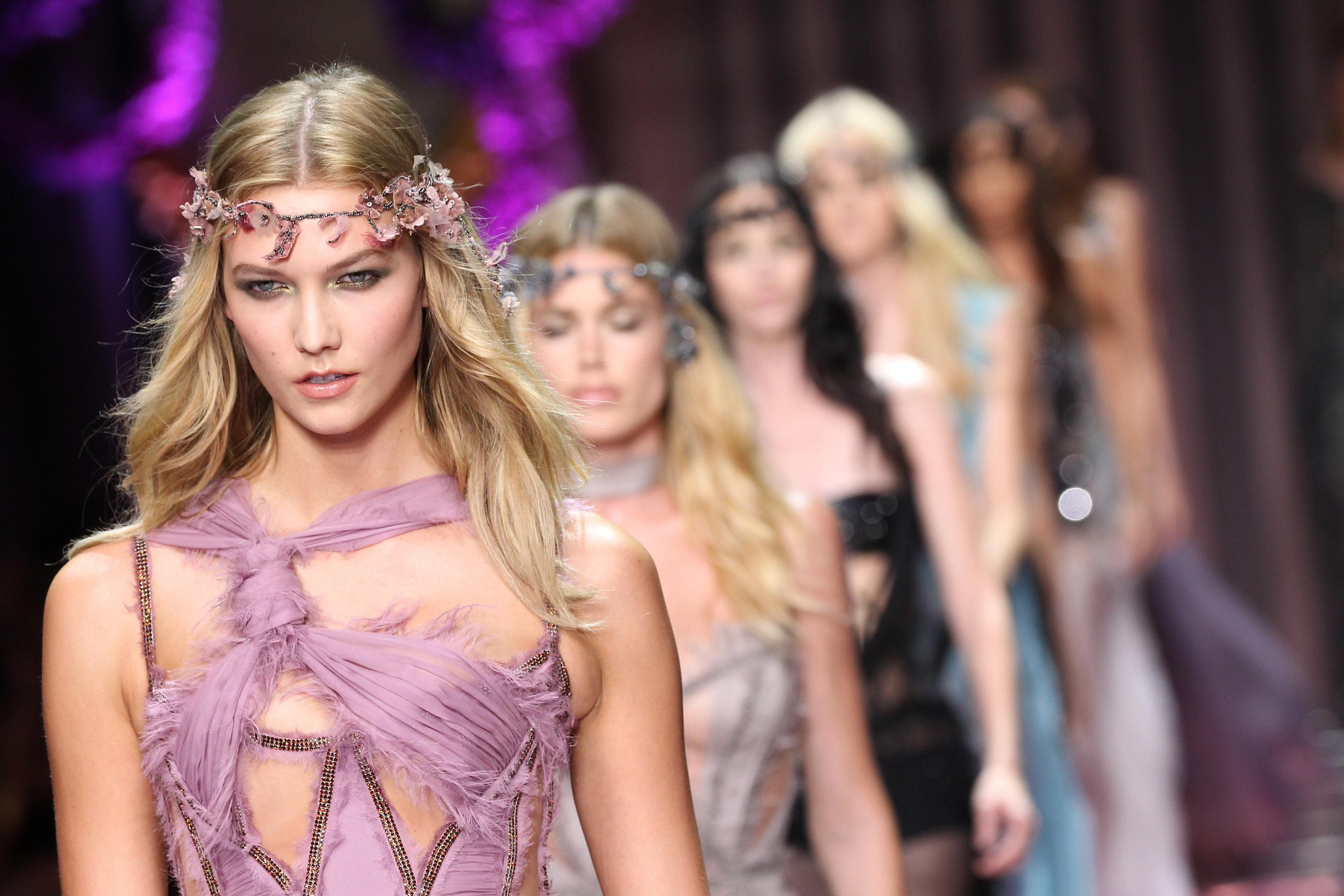 Your favorite supermodels just wore the sexiest #Versace dresses in all the land:  http://t.co/AzOLAsnfAO http://t.co/AHD9fX0w13