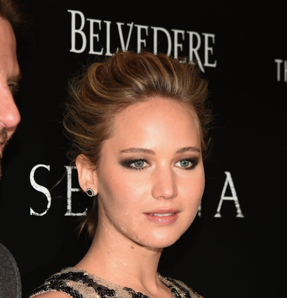 Jennifer Lawrence Is Off the Market Again: http://t.co/1Egl2Vi6rz http://t.co/beQLHUiMSw
