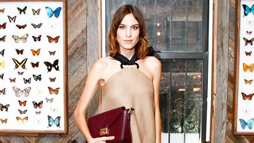 """""""No one is as happy as they seem on Instagram"""" Alexa Chung says it like it is  http://t.co/5Rf0bg3kDD http://t.co/6CeHwNXiEp"""