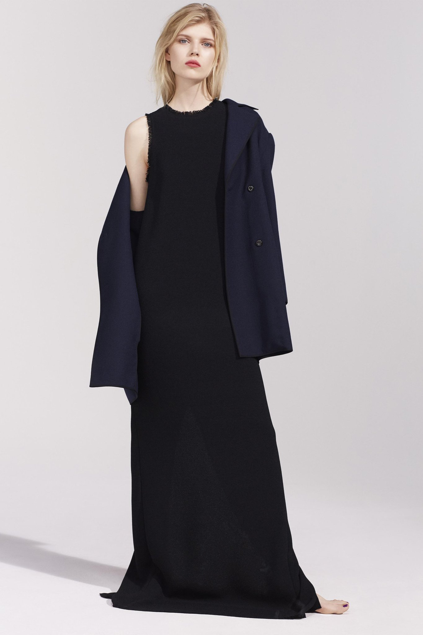See all the looks from the @NinaRicci #Resort2016 show: http://t.co/4riZv67s9r http://t.co/2TeN1ITLd9