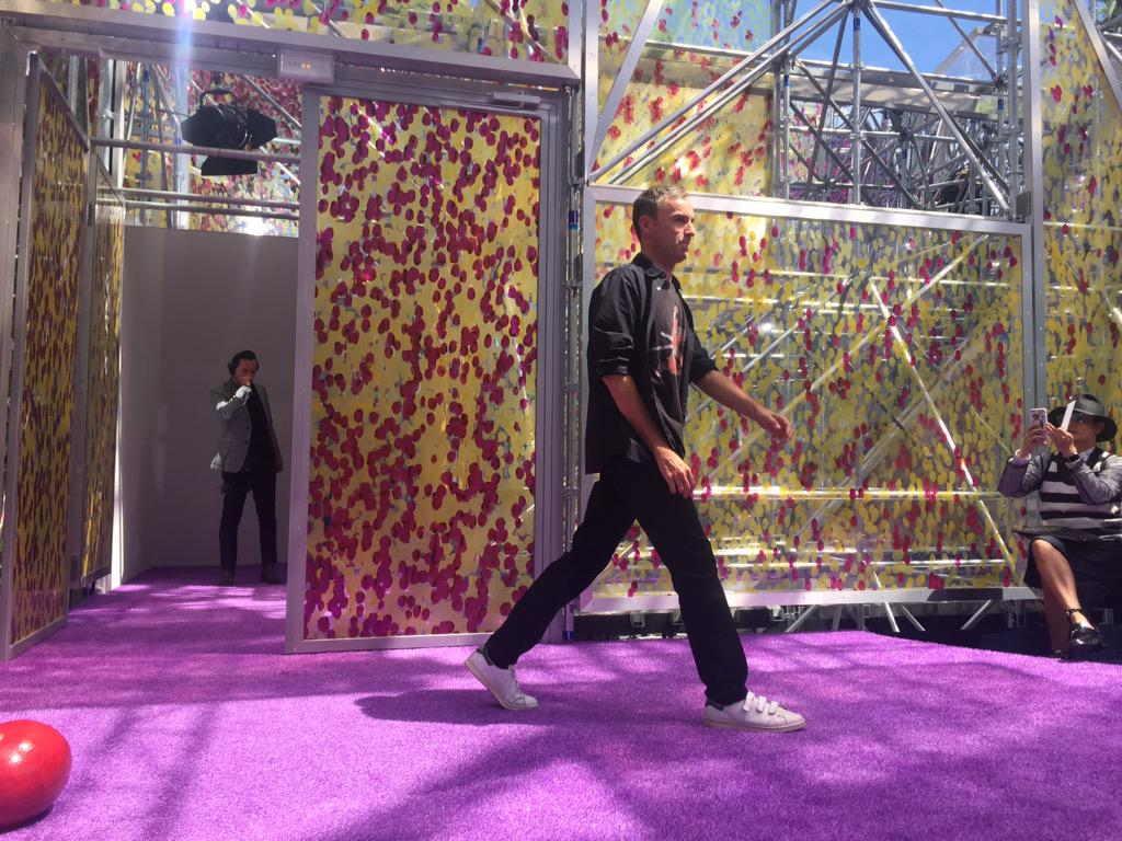 Raf Simons takes a bow at the end of @Dior #Couture! @DerekBlasberg http://t.co/8iMaW6cfSU