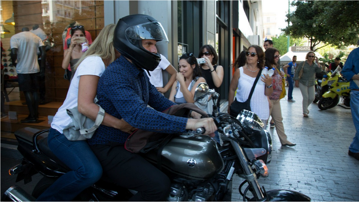 Greece gets a new finance minister as the old one zooms off on a motorcycle like a badass. http://t.co/DBYpmaoZjD