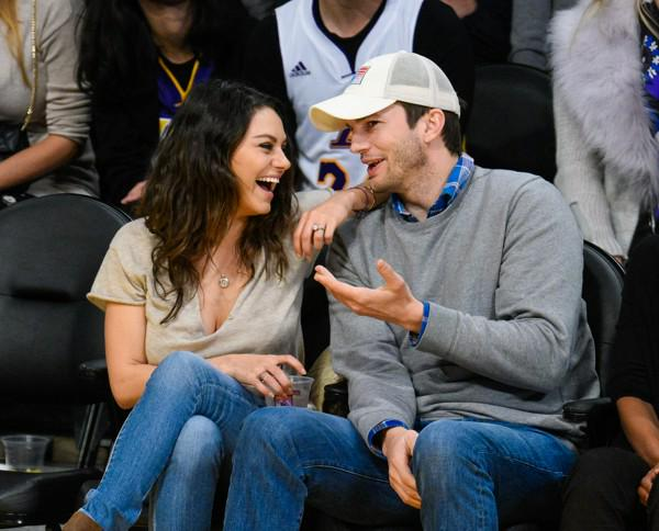 10 Adorable Things Newlyweds Ashton Kutcher and Mila Kunis Have Said About Each Other http://t.co/K1OrIrfNfv http://t.co/ZzdBq77YeN
