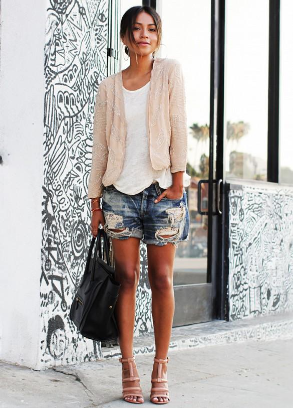 High heels with shorts: fashion do or don't? http://t.co/A8YMlOgHpn http://t.co/Ty52d4jE5j