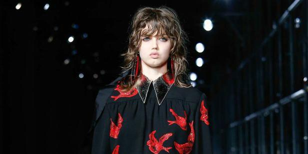 .@MIUMIUofficial reprised its famous Spring 2010 prints for resort: http://t.co/Ja2OfwDhAV http://t.co/qLAYJ9Xu8g