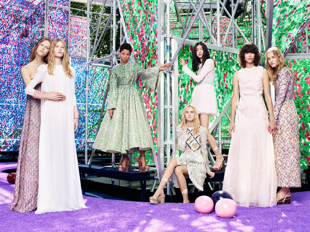 Get lost in the garden of earthly delights through the latest #Diorcouture collection on http://t.co/WJGUouOTVo. #PFW