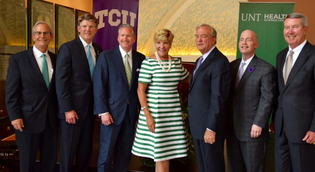 Thrilled to help announce the new partnership w/ @UNTHSC and @TCU for a new MD school right here in #FortWorth! http://t.co/7uWJt4K5x4
