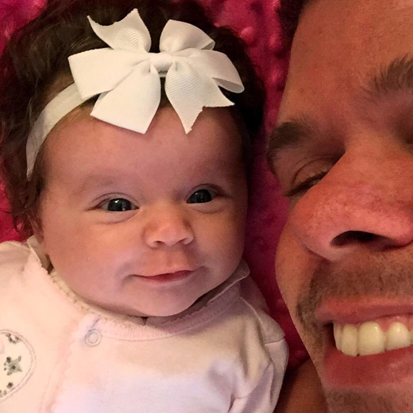 Mugging it for the camera! She's a star!!! https://t.co/uW1ExrQl0y #MiaHilton http://t.co/cIYguKWZQb
