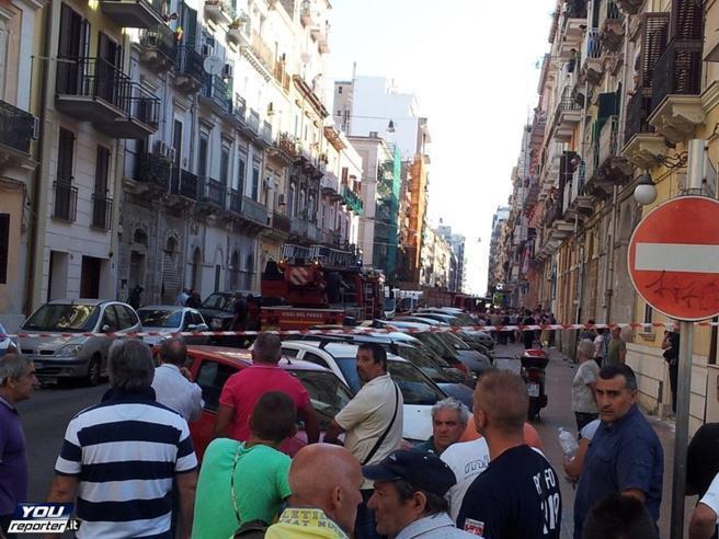 Tragedia a Taranto: esplode bombola di gas, palazzo crolla in centro