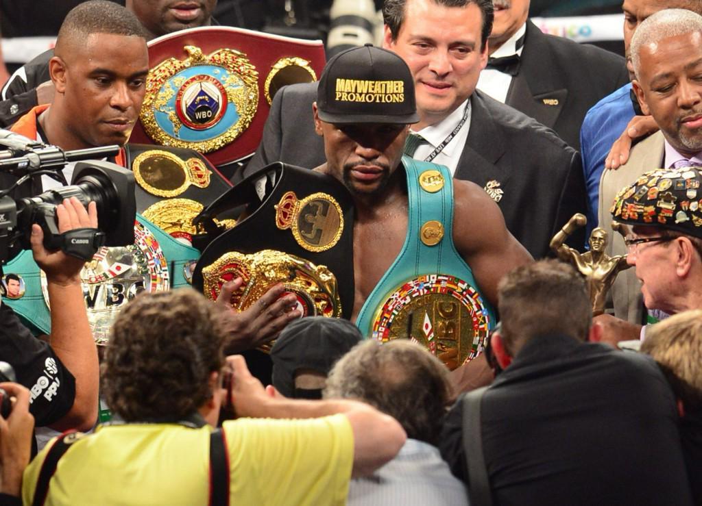 """Pugilato Boxe, Mayweather perde il titolo """"pesi walter"""" vinto contro Pacquiao"""
