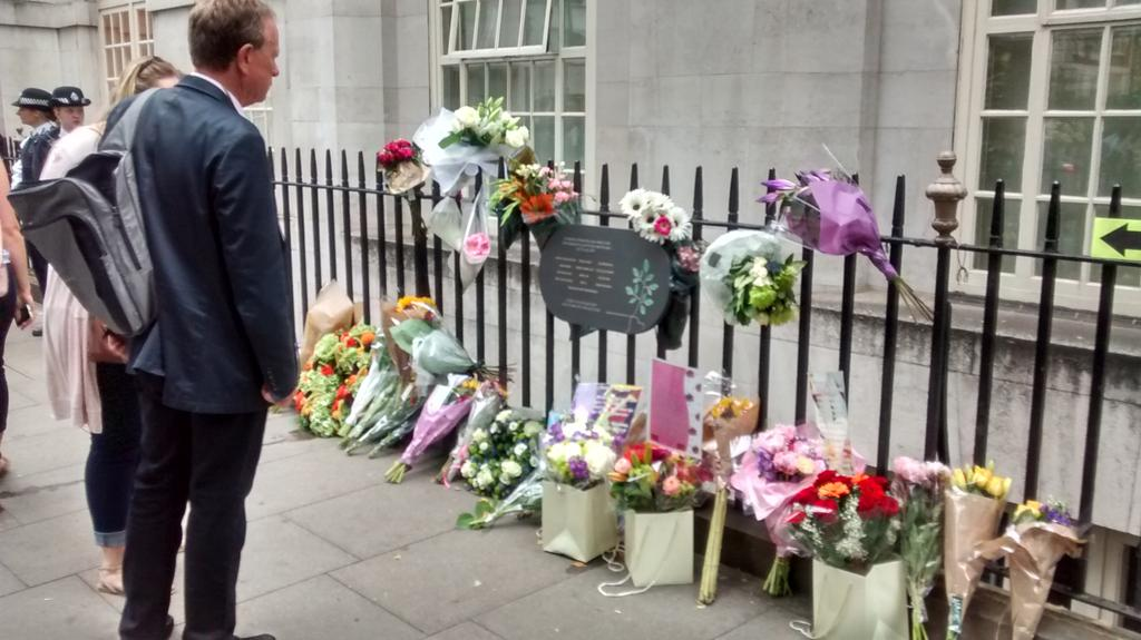 7/7 memorial in Tavistock Square this morning on 10 year anniversary http://t.co/OQMeJ79x4q