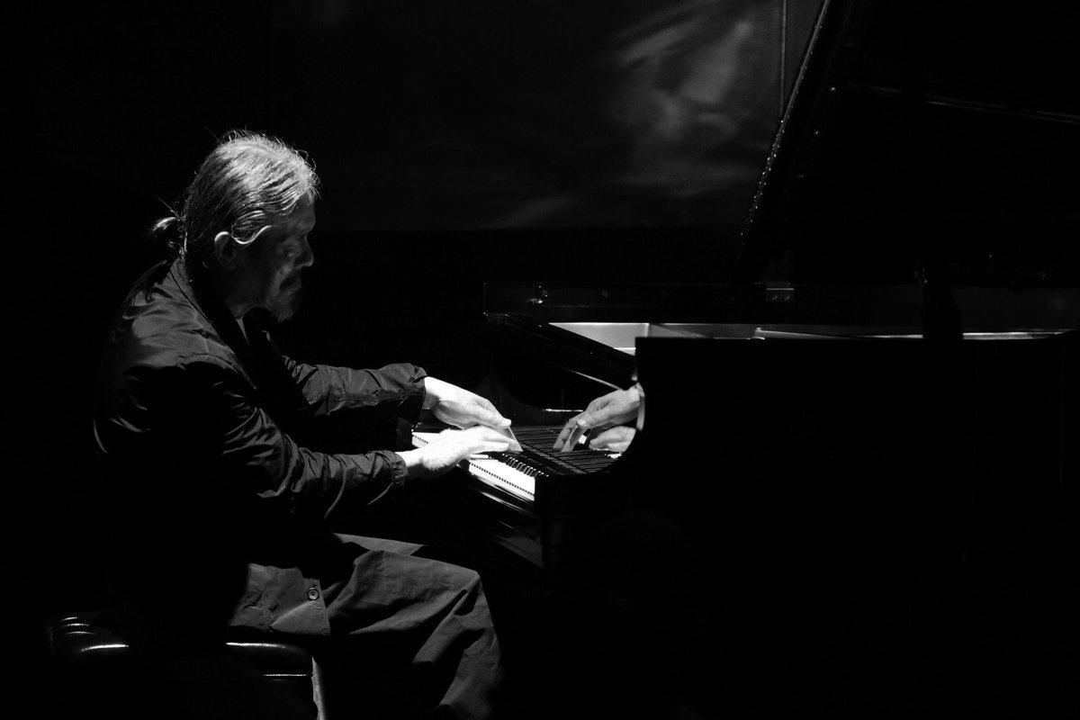 May he rest in peace: Mr. Masabumi Kikuchi (1939-2015)  菊地雅章さんの訃報に接し、心からお悔やみ申し上げます。 ブルーノート東京 http://t.co/S2C3Q8ZQKq