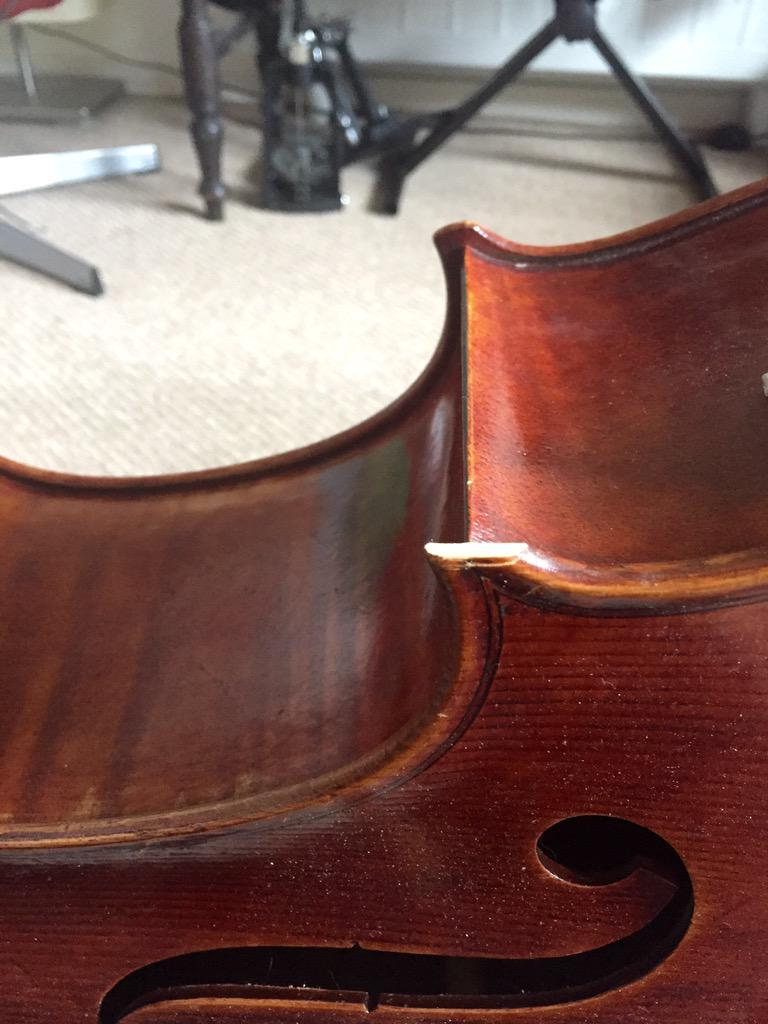 I'm absolutely appalled and upset to see how @British_Airways have handled my cello!! http://t.co/15yrK7ZTL2