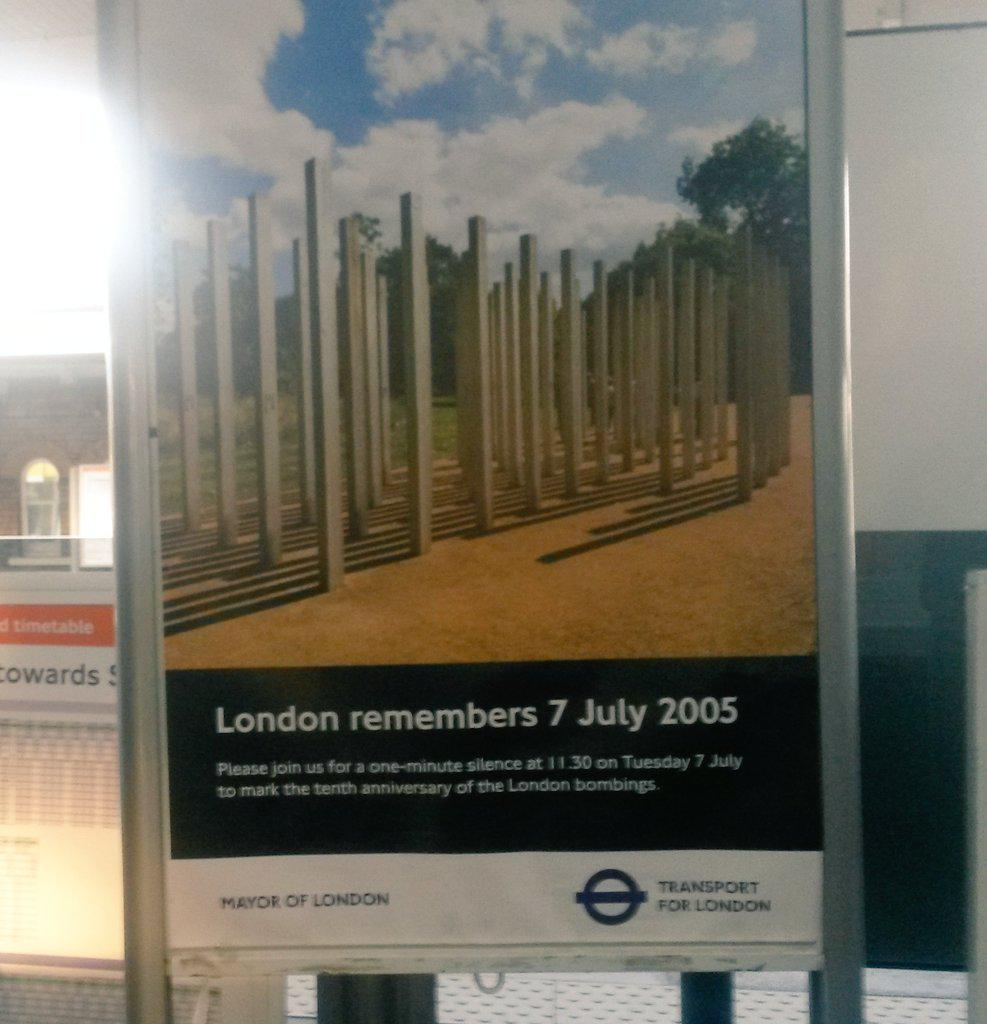 #7thJuly2005 Don't forget the minute silence to remember #LondonBombings http://t.co/S6SZDs5Lih