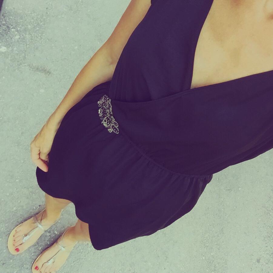 ⏩RT + FAV si tu veux venir BAISER la lionne dans la rue avec sa petite robe noir du jour ! GROUAHHH ⏪ http://t.co/RF7AikV53Q