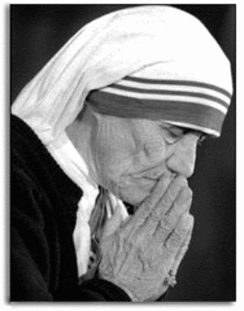 -¡ Santa Madre Teresa de Calcuta !   (Incluye libro)  https://t.co/3GsQgW6aqn  https://t.co/siF9rXxcfP