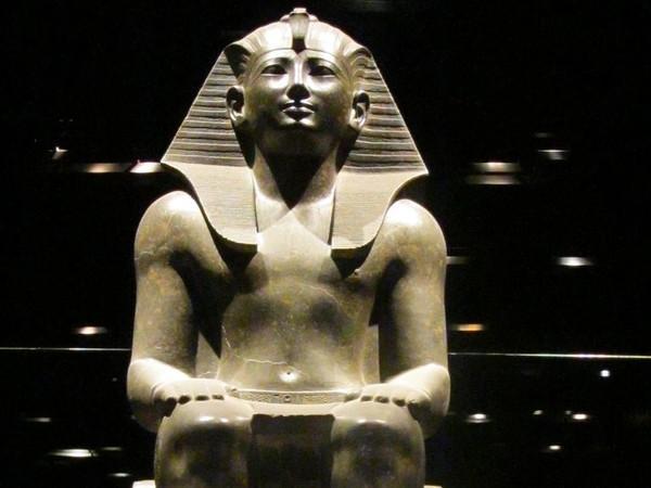 Statua di Thutmosi III 1070 a.C. Museo egizio, Torino.