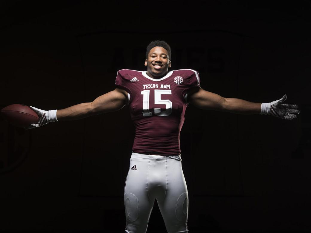 "Texas A&M Football on Twitter: ""Kyle Allen, Myles Garrett & Speedy Noil named to watch lists http://t.co/9syU9DmKLM #12thMan http://t.co/c4b3fU9nvL"""