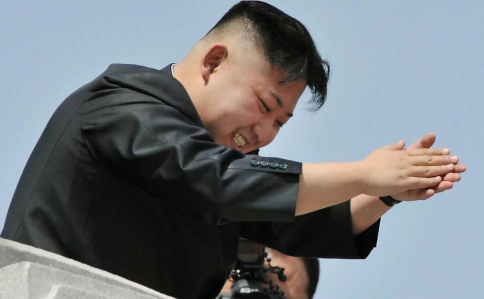 Kim Jong-un executa chefe de aquário após morte de tartaruguinhas: http://t.co/WEB4401juo
