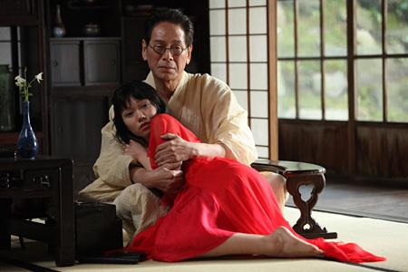 [120いいね!]二階堂ふみが金魚に変身、石井岳龍×室生犀星の映画『蜜のあわれ』