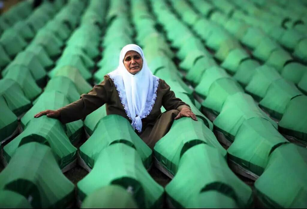 Never forget the Srebrenica genocide more than 8,000 Bosnian Muslims were killed 20 years ago. #Srebrenica #Bosnia http://t.co/XXZsbrvjYR