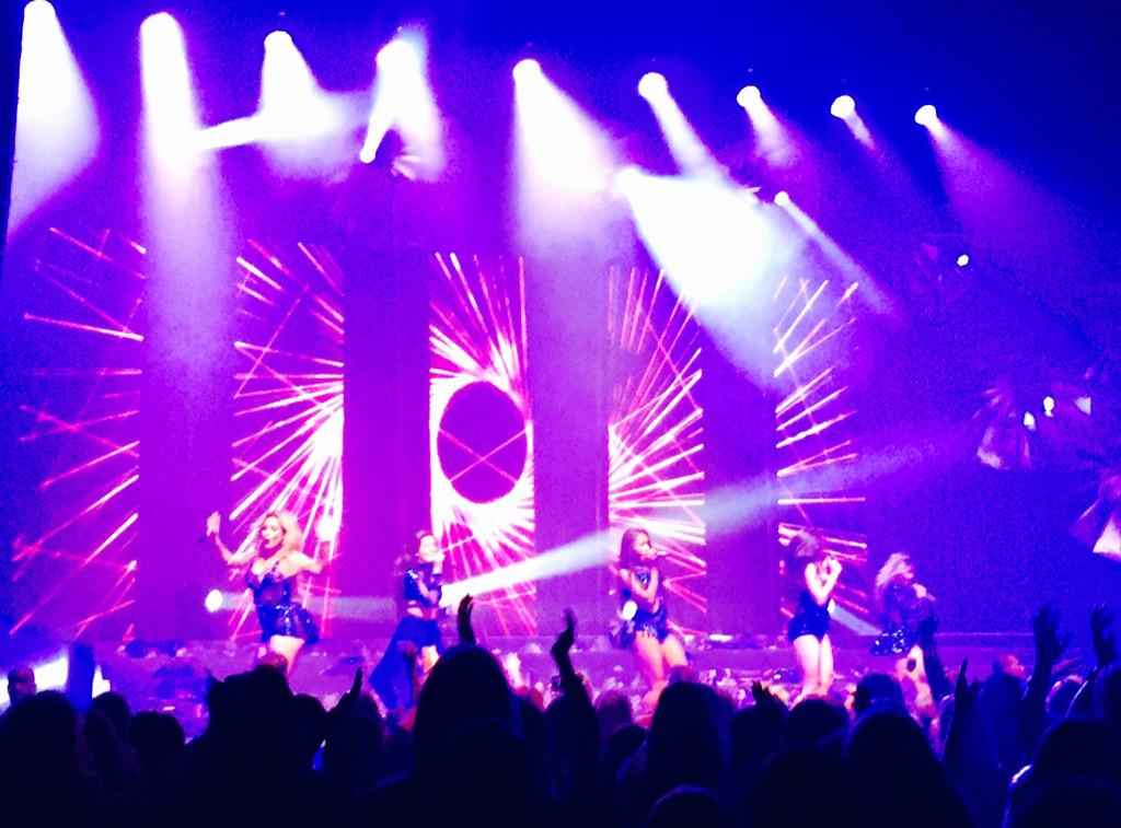 The @FifthHarmony have never been better! #ThisIsHowWeRoll #SummerReflectionLouisville #FifthHarmony @LvillePalace http://t.co/kGbJRKpyeT