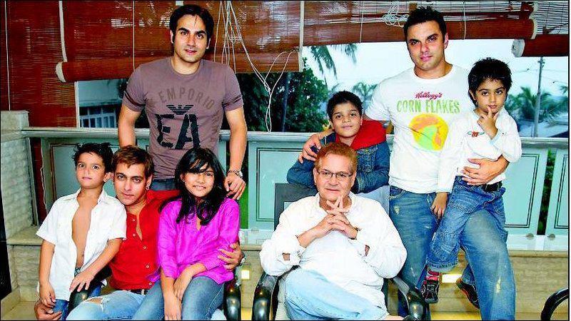 салман кхан и его семья фото подобрано