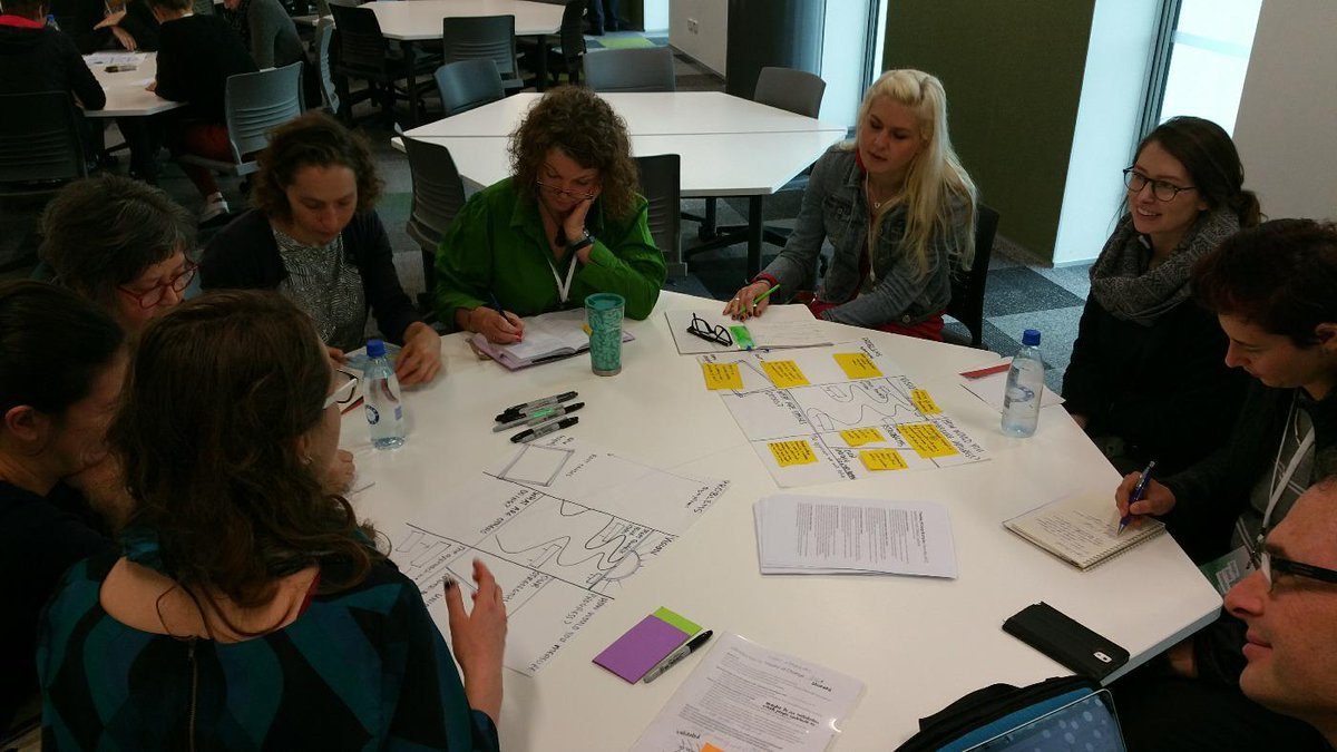 #dsi2015 bus stops in action #theoryofchange @lifehackhq http://t.co/4lvNqT588N