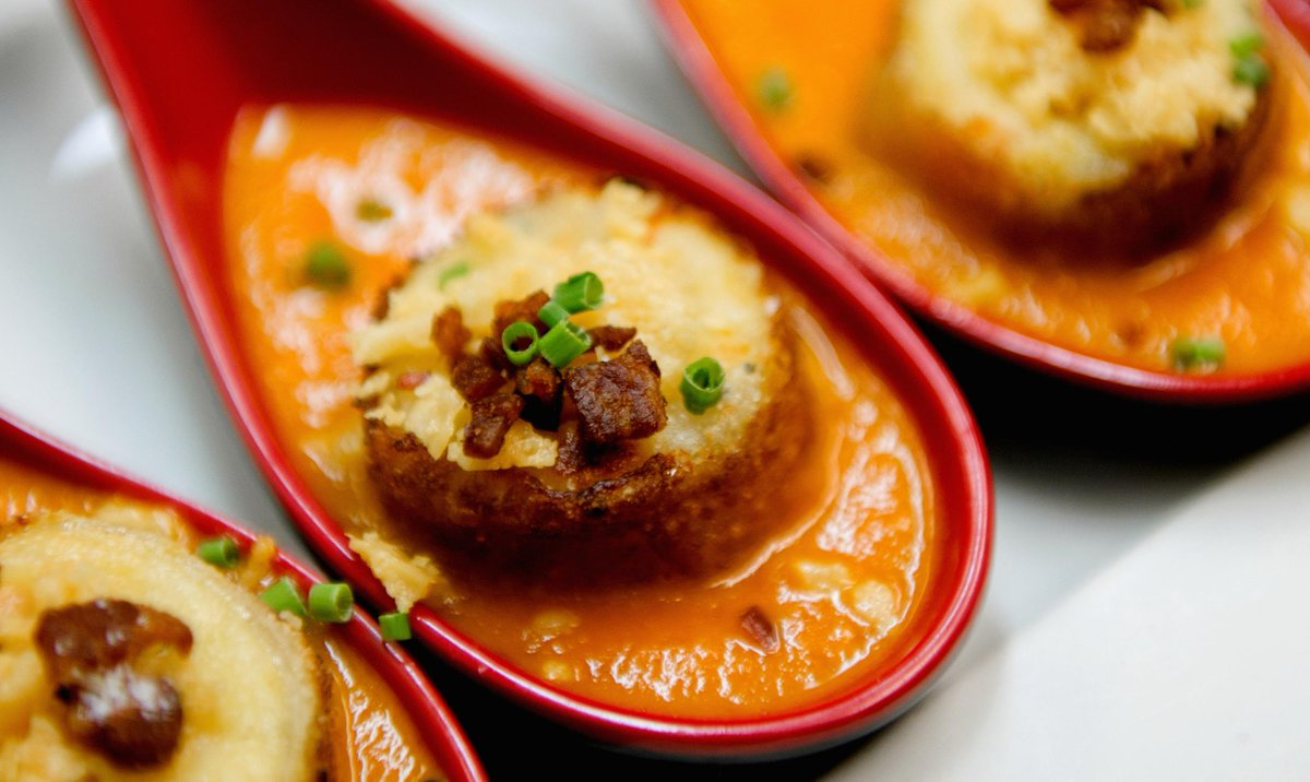 #MyLifeCouldUseMore Grilled Cheese & Tomato Soup Dumplings. http://t.co/8LiDPyEQKd