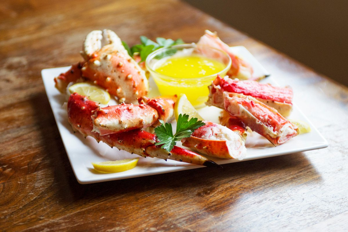 1000lbs of King Crab will be on sale for our #Broadmead event this Sat. & @captwildbill's doing a cracking demo! #yyj http://t.co/NHSnSz9Iny