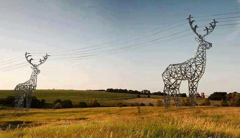 MT @philg1: The Finnish really know how to design power lines... http://t.co/TDU0KLIabe #onlyinfinland #Finland #raindeer