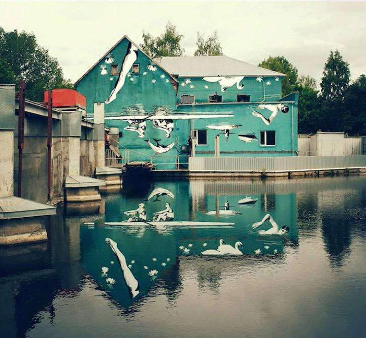 So clever Ray Barkus' upside down mural reflects really well on him http://t.co/SuA1GC7c0e