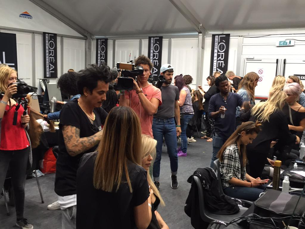 Showtime! Fashion Week Nederland sponsored by L'Oréal Professionnel has started. #fashion #fashionweek http://t.co/UQWBZXNaTw