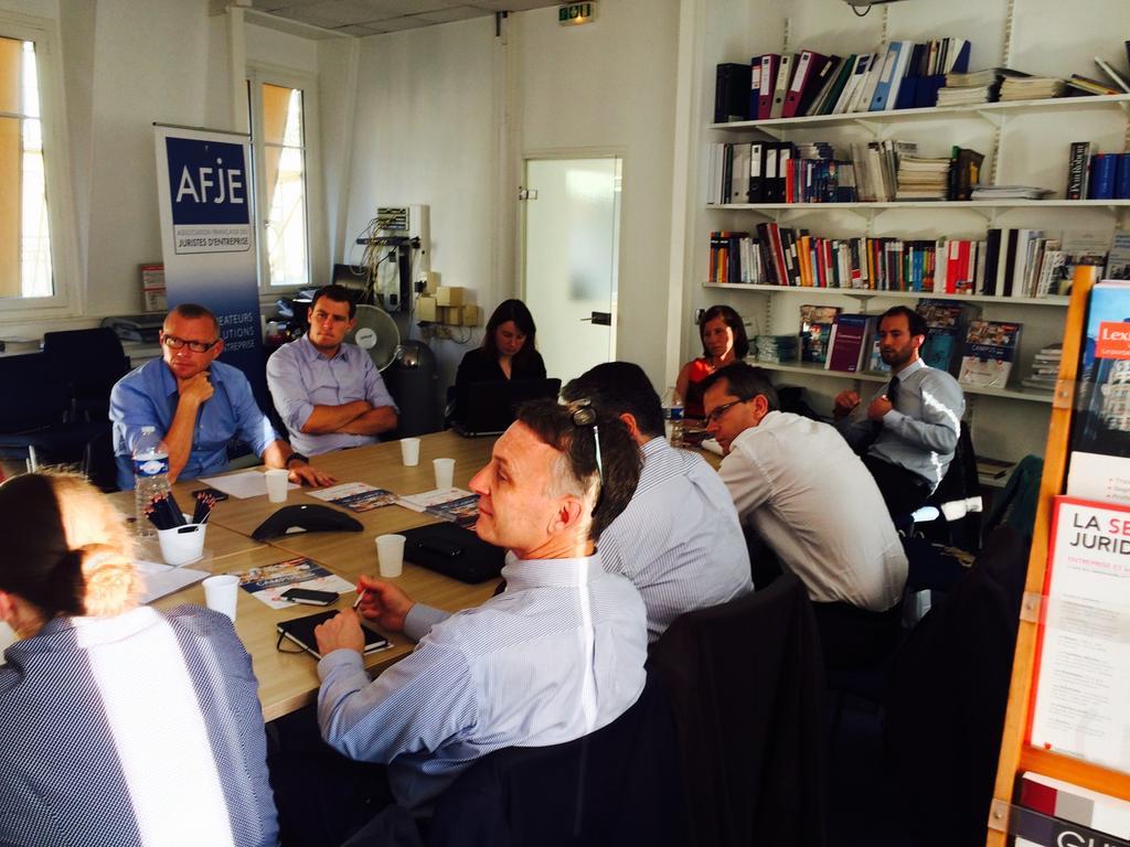 #AFJEInternationale Débats autour du règlement des conflits des investissements étrangers http://t.co/hjCxh7UoyM