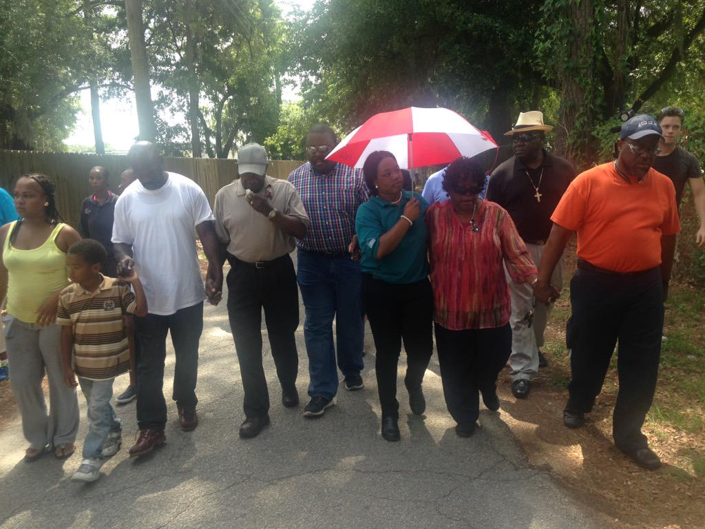 Walter Scott's family visits place where he was shot and killed by police