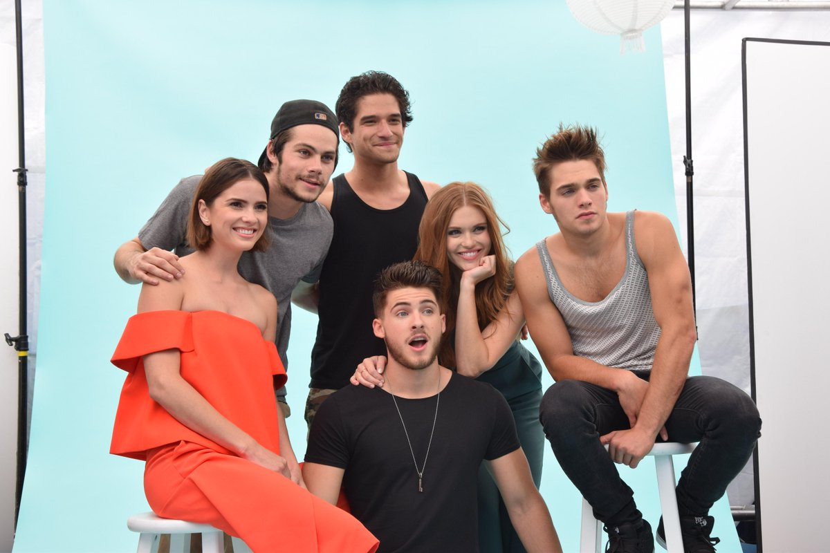The pack has arrived! It's the cast of #TeenWolf on board the #TVGMYacht at Comic-Con. http://t.co/CaZ3Ohyw07