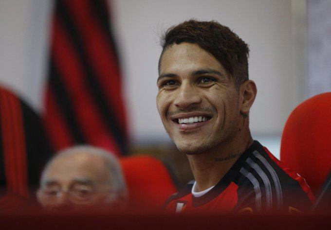 'Guerrero é bem dotado', diz o técnico do Fla, Cristóvão. http://t.co/uhBcmzTTPl