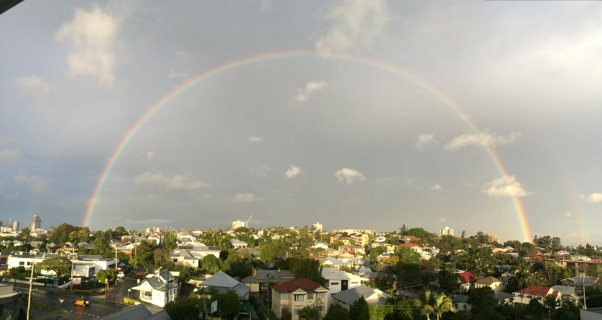 Spotted just now from my apartment in West End, Brisbane: the most crisp rainbow my eyes have ever seen. http://t.co/6OVrWXzkC6