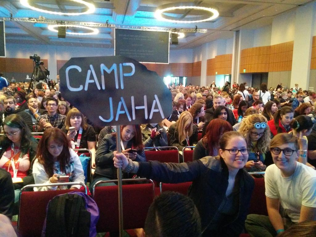 @The100writers @TeelaJBrown @TheJulieBenson Camp Jaha is in the building! http://t.co/fPxcixSUw4